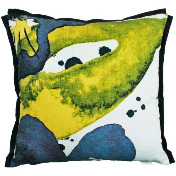 Styvmorsviol Cushion cover 48x48 blue