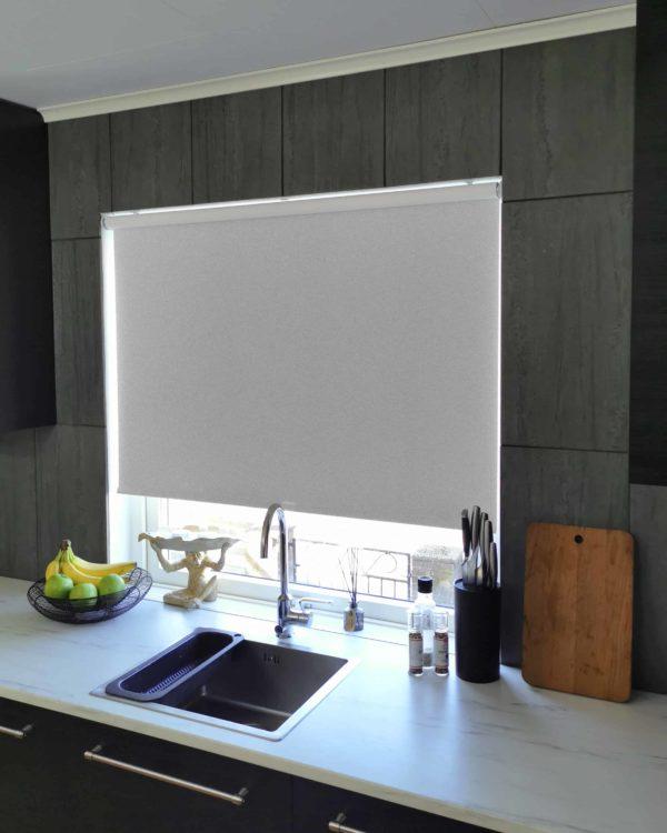 Mairo rullgardin Granit ljusgrå E213 mörkläggande